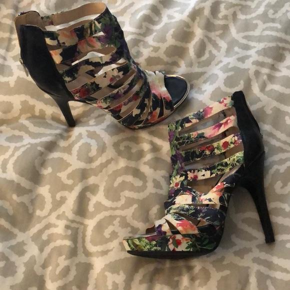 Bar III Shoes - Bar III heels